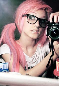 I like love her hair, wish I could dye my hair pink and rock it out like that