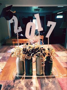 What are the Best Plans for a DIY High Table? Graduation Party Planning, College Graduation Parties, Graduation Party Decor, Grad Parties, Graduation Ideas, Graduation Gifts, Graduation Table Centerpieces, Grad Party Decorations, Nouvel An