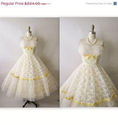 SALE 50's Wedding Dress // Vintage 1950's White Tulle Strapless Wedding Dress Prom Tea Gown XS. $179.20, via Etsy.