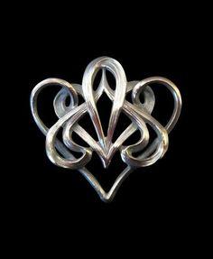 Art Noveau French Swirled Brooch. Designer: N/A
