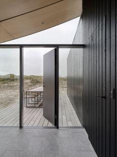 Knud Holscher celebrates Danish craft with summer house on Fanø island - Architecture Fish Bathroom, Glass Bathroom, Fish Design, Design Design, House Design, Graphic Design, Outdoor Living, Outdoor Decor, Nordic Design