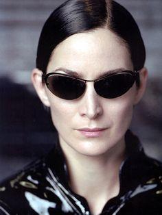 carrie ann moss #trinity #matrix Man In Black, The Matrix Movie, Round Sunglasses, Sunglasses Women, Carrie Anne Moss, Sci Fi Films, Jessica Jones, Badass Women, Portraits