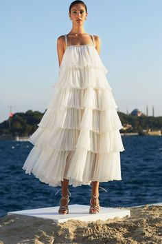 Couture Fashion, Fashion Show, Fashion Outfits, Fashion Design, Evening Dresses, Summer Dresses, Insta Look, Looks Vintage, Models