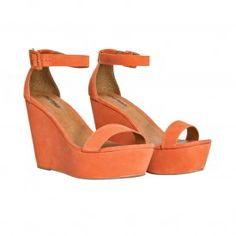 http://lezalez.com/colecao/primavera-verao-2015/lez-a-lez-shoes/17