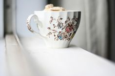 cozy cup of joe My Coffee, Coffee Cups, Tea Cups, Cold Night, Tea Stains, Best Dishes, Dinnerware Sets, Chocolate Coffee, Cocoa