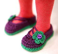 Free doll shoe pattern on Ravelry
