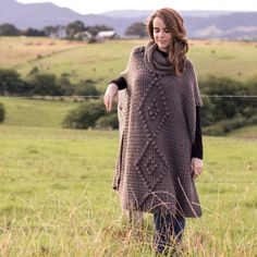 Crochet this chic (yet snuggly) Alsace Poncho, perfect to pair with boots and jeans this winter! Free pattern & tutorial available!