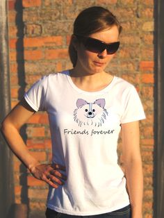 T-shirt ręcznie malowany z wizerunkiem psa rasy Papilon z napisem jaki tylko chcesz.