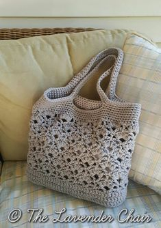 Daisy Fields Beach Bag / Market Tote - Free Crochet Pattern from The Lavender Chair.