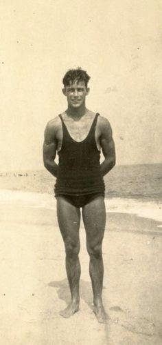Vintage Man in swimsuit. - Photos of Handsome Vintage Men - Badeanzug