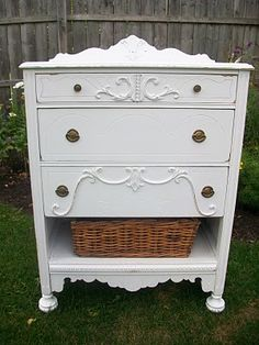 great idea for missing dresser drawers
