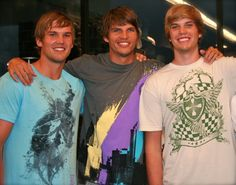 What could be better than Chicago Bulls' Kyle Korver? Hmm maybe Kyle and his brothers? ;) haha @McCall Williams