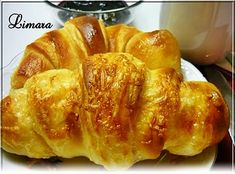 Express croissant (in hungarian) Croissant Bread, Bread Bun, Pastry Recipes, Bread Recipes, Cake Recipes, Ital Food, Bread Dough Recipe, Hungarian Recipes, Bread And Pastries