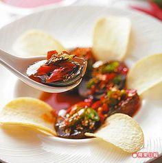 燒椒辛香帶微辣,搭配皮蛋很夠味。