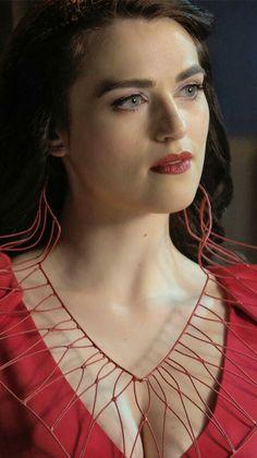 """Supergirl"" Katie McGrath as Lena Luthor Supergirl, Katie Mcgrath Hot, Beautiful Eyes, Most Beautiful, Beautiful Women, Lena Luthor, Woman Crush, Beautiful Celebrities, Girl Crushes"