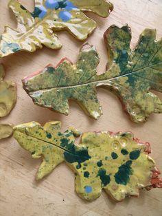 <3 <3 ADD diy www.customweddingprintables.com #customweddingprintables... FALL WEDDING...clay leaves