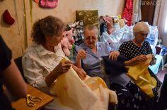 Житомирські бабусі на свою пенсію купили воду для воїнів АТО (ФОТО) - Вголос.zt - інформаційно-аналітичний портал Житомирщини