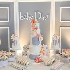 baby Dior | #newyearcrush✨ #regram✨ | cred: @rafispastry @katminassievents @jayjaystudios @whitenightdesign @bragdesigns @purebanquethall @stands_n_things