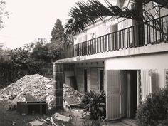 Heute stellen wir euch eine sanierte portugiesische Villa aus den 1960er-Jahren, die bestens saniert wurde und nun den heutigen Ansprüchen genügt.