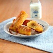 Banana roll french toast ini bisa menjadi sajian untuk menu sarapan pagi yang praktis. Bahan dan cara membuatnya sangat simple dan tak merepotkan sama sekali.