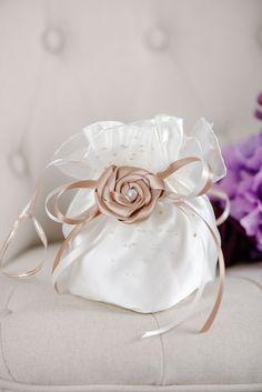 Festlicher Brautbeutel mit Röschen/ festive bridal bag made by Perle-Wismer via DaWanda.com