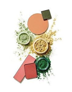 Make-up-Texturen. Make-up Textur Fotografie. Pfirsich und grünes Make-up. Make-up-Foto . - Makeup Products New Beauty Photography, Texture Photography, Still Life Photography, Product Photography, Photography Guide, Foto Still, Green Makeup, Peach And Green, Makeup Swatches