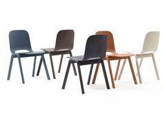 Touchwood-stol        Den nye, fine Touchwood-stol fra italienske Discipline er designet af norske Lars Beller Fjetland. Stolen kan stables og har et venligt formsprog udtrykt i gennemfarvet træ, der lader træets tekstur træde igennem. Farvepaletten er behagelig, og så skulle man tilmed sidde godt i den! 2299 kr., Walnut Street.