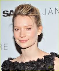 """Mia Wasikowska Photos - Actress Mia Wasikowska attends the New York premiere of """"Jane Eyre"""" at the Tribeca Grand Hotel - Screening Room on March 2011 in New York City. - """"Jane Eyre"""" New York Premiere - Inside Arrivals Aacta Awards, Annette Bening, Mia Wasikowska, Mark Ruffalo, Julianne Moore, Age, Famous People, Red Carpet, Celebs"""