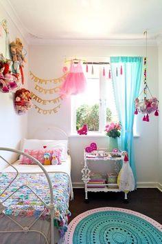Habitación luminosa de Scarlett de color y patrón - Mi habitación | Apartment Therapy