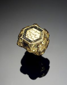 A Seljuk niello and gold Ring -  Persia, 12th/ 13th Century. | © Bonhams 2001-2014