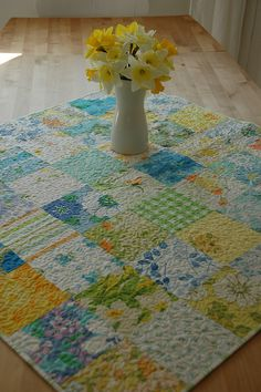 vintage sheets tablecloth, the all over quilting probably strengthens it.Absolutely LOVE this. Vintage Sheets, Vintage Quilts, Vintage Fabrics, Vintage Linen, Vintage Modern, Vintage Sewing, Quilting Projects, Quilting Designs, Sewing Projects