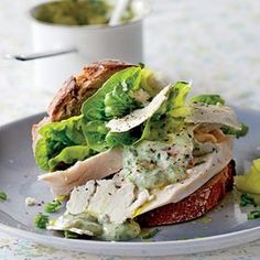 Feta Recipes-Healthy Chicken Sandwich with a Caesar Twist Chicken Caesar Sandwich, Soup And Sandwich, Salad Sandwich, Chicken Salad, Healthy Eating Recipes, Diet Recipes, Healthy Snacks, Healthy Menu, Healthy Dishes