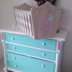 renovation of the old chest of drawers For baby girl