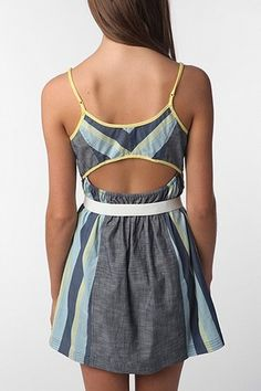 Staring at Stars Pop Bound Chambray Dress. size S  $59.00