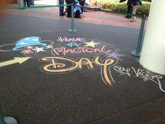 Super chalkboard art quotes disney be kind Ideas Chalk Quotes, Chalkboard Art Quotes, Disney Girls, Disney Love, Disney Art, Chalk Design, Chalk Wall, Sidewalk Chalk Art, Chalk Drawings