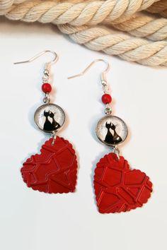 boucles d'oreilles chats amoureux cabochon coeur rouge noir