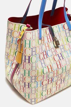 Bag Matryoshka Locked Carolina Herrera L Nwt Original Ch New Tag Handbags On Sale, Luxury Handbags, Tote Handbags, Purses And Handbags, Tote Bags, Paris Mode, Large Shoulder Bags, Carolina Herrera, Beautiful Bags
