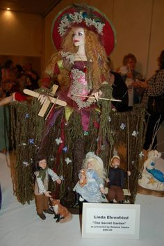 This is my piece called Madame Benvenue's Secret Garden. She is a bohemian play actor how uses Marionettes to entertain. Her costume is the theater stage. Theatre Stage, Theater, Punch And Judy, More Pictures, Puppets, Art Dolls, Bohemian, Entertaining, Actors