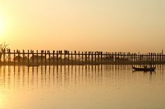 Un puente en madera de más de un kilómetro en Birmania, Myanmar
