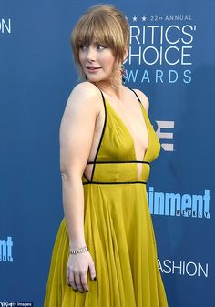 Bryce Dallas Howard stuns in low-cut gown at Critics' Choice Awards Hot Actresses, Hollywood Actresses, Hollywood Divas, Beautiful Celebrities, Beautiful Actresses, Brice Dallas Howard, Gwendolyn Christie, Actrices Hollywood, Critics Choice
