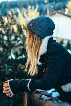Winter Merino Wool Beanie Outfit for Women. Casual Cozy Winter look by VAI-KØ. Adventure Outfit, Adventure Gear, Casual Winter Outfits, Spring Outfits, Cozy Winter, Winter Hats, Camping Outfits For Women, Beanie Outfit, Hats For Women