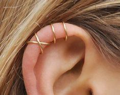 Set of 2 Ear Cuffs, Ear Cuff, Double Ear Cuff and Criss Cross Ear Cuff,No Piercing,Cartilage Ear Cuf - Madeline davis - Pineagle Fake Piercing, Piercing Cartilage, Cute Ear Piercings, Cartilage Earrings, Piercing Tattoo, Cuff Earrings, Piercings Rook, Tongue Piercings, Ear Peircings
