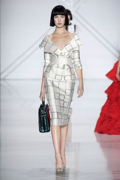 See all the Ralph & Russo Haute Couture Spring/Summer 2017 photos on Vogue. Fashion 2017, Runway Fashion, High Fashion, Fashion Show, Fashion Dresses, Fashion Design, Paris Fashion, Ralph & Russo, Style Couture