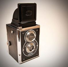 """Gnome Pixie-Flex Vintage Camera 