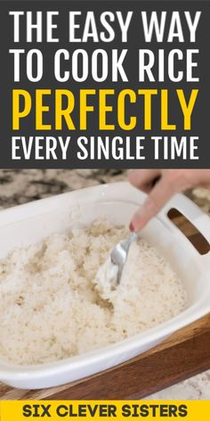 This is the easiest way to cook rice ever! And guess what? It cooks perfectly every single time! So here's how to cook rice the easy way. Easy Cooking, Cooking Tips, Healthy Cooking, Cooking Recipes, Dishes To Go, Side Dishes, Rice In The Microwave, Whole Grain Brown Rice, How To Cook Rice