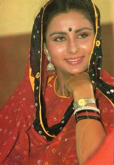 Beautiful Girl Indian, Most Beautiful Indian Actress, Beautiful Bollywood Actress, Beautiful Actresses, Poonam Dhillon, Old Celebrities, Actress Anushka, Vintage Bollywood, Bollywood Stars