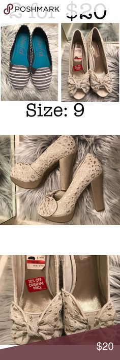 ✨American Rag heels✨ American Rag Heels:  Beautiful rose gold and cream colorBesides the scuffs on the left heal, these are in excellent condition. Size 9M Shoes Heels