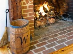 You need a indoor firewood storage? Here is a some creative firewood storage ideas for indoors. Lots of great building tutorials and DIY-friendly inspirations! Firewood Holder Indoor, Firewood Storage, Recycled Trampoline, Memorial Museum, Diy Network, Rustic Charm, Timeless Design, Diys, Outdoor Decor