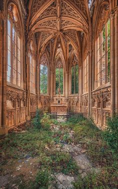 Explorer Matthias Haker Discovers Crumbling Churches, Overgrown Synagogues and Golden Chapels – Abandoned – Decoration Abandoned Churches, Abandoned Mansions, Abandoned Places, Haunted Places, Derelict Places, Beautiful Architecture, Beautiful Buildings, Beautiful Places, Classical Architecture