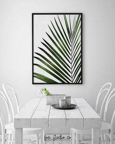Palm Tree Leaf Print, Tropical Art, Leaf Print, Botanical Wall Art, Tropical Wal… - Home Decor Ideas Tropical Home Decor, Tropical Houses, Tropical Decor, Unique Home Decor, Tropical Interior, Tropical Furniture, White Furniture, Living Room Green, Living Room Decor